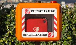 Defibrillatoren te weinig bekend bij het grote publiek