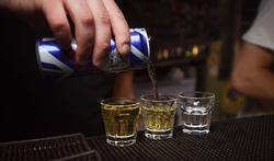 Helft jongeren heeft klachten na drinken energiedranken