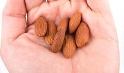 Geef kinderen jonger dan zes jaar geen noten