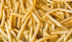 Tips om acrylamide te verminderen bij het bakken en frituren van voeding