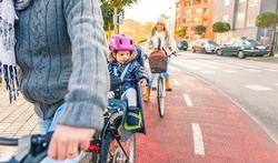 Helft van de kinderen loopt achterop de fiets onnodig risico