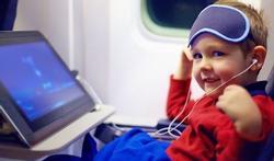 Zo houdt u de kinderen rustig in het vliegtuig