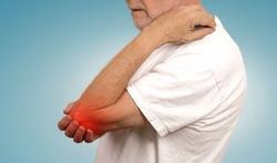 Wereld Reumadag Meer pijn als het koud en nat is: heeft het weer invloed op reuma?