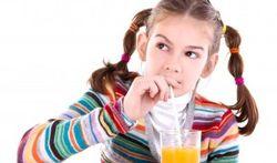 Kinderen en fruitsap
