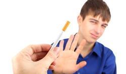 Jongeren beginnen later te roken
