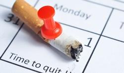 Stop bij voorkeur niet-medicamenteus met roken