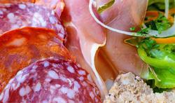 Verergert bewerkt vlees astmaklachten?