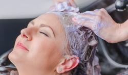 Is haarkleuren tijdens de zwangerschap gevaarlijk ?