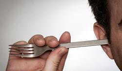 Hoe en wanneer moet u de oren schoonmaken?