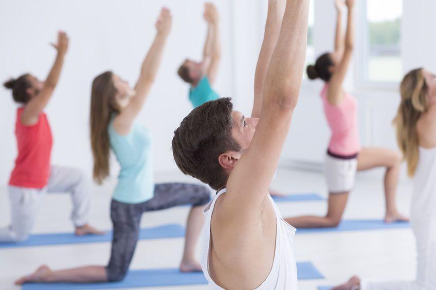 HD-yoga-man-groep-04-17-full.jpg