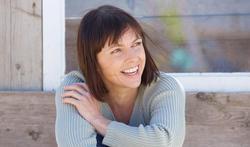 Opvliegers, prikkelbaar, moe? Hoe pak je ongemakken van de menopauze het best aan ?