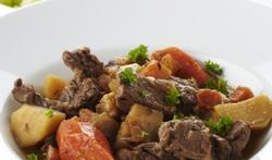 Gesmoord rundvlees met pastinaak, pompoen en rammenas