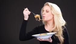 Pour moins manger : une petite pause entre chaque bouchée
