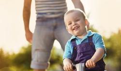 Fille ou garçon : le cerveau des pères réagit différemment
