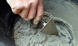 Bricoleurs, attention au ciment
