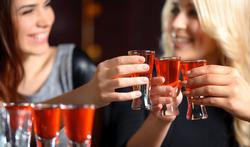 Alcool : pourquoi certains résistent mieux ?