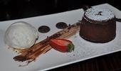 Le fondant au chocolat et à la glace au yaourt