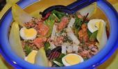 Salade de poissons de la mer du Nord et leurs légumes