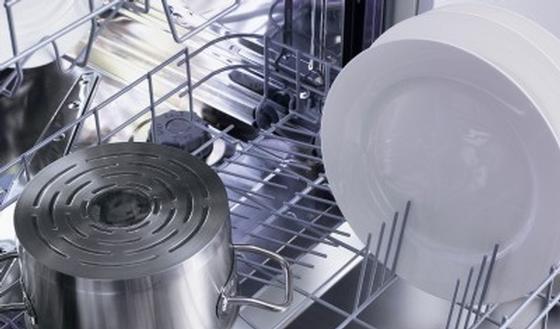 Economie d 39 eau la vaisselle la main ou en machine for Consommation d eau vaisselle a la main