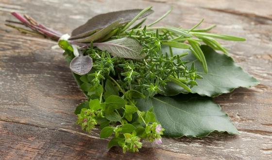 Cuisine : comment préparer un bouquet garni maison