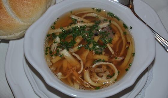 Soupe Célestine aux lamelles de crêpe | PassionSanté.be