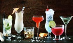 Drinkt u minder met kleiner glazen?