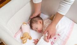 Baby op slaapkamer ouders leidt niet tot gedragsproblemen later