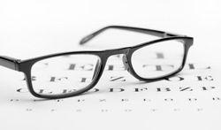 Zijn goedkope leesbrilletjes slecht voor uw ogen ?
