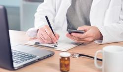 Tien vragen over het verplicht elektronisch geneesmiddelenvoorschrift
