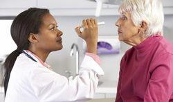 Meer controle nodig op privécentra voor oogoperaties