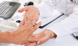 123-dr-oz-reuma-hand-02-18.jpg