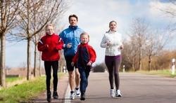 Is sporten langs een drukke verkeersweg gezond of ongezond?