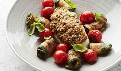 Kip met tomatenpesto en courgette