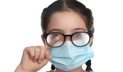 Hoe vermijd je dat je bril bedampt als je een mondmasker draagt?