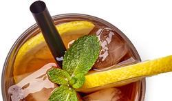 Waarom drink je limonade en fruitsap beter met een rietje?