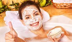 Hoe maak je zelf een vochtinbrengend gezichtsmasker?