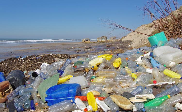 123-h-plastic-afvalberg-zee-01-19.jpg