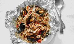 123-h-seafood-linguine-11-20.jpg