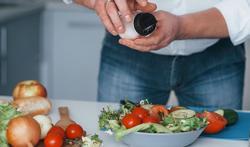 Waarom we wat meer zout mogen gebruiken als we voldoende groente en fruit eten