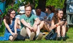 Waarom u beter uw festivalbandjes niet te lang draagt