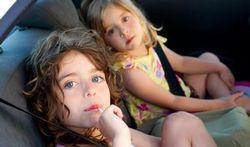 Kinderen onveilig in de auto