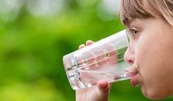 Hoeveel moeten kinderen drinken?