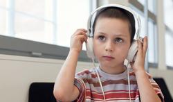 123-kind-koptelef-hoortest-doof-muziek-05-18.jpg