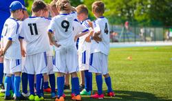 Sportende kinderen moeten zich beter beschermen tegen de zon