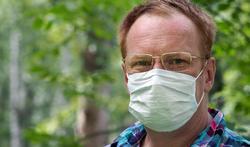 Waarom overlijden meer mannen dan vrouwen aan het coronavirus?