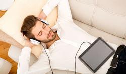 Helpt muziek luisteren bij slapeloosheid?