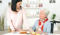 Vrijwilligerswerk voor mensen met dementie helpt