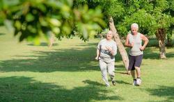 123-ouderen-senior-fitn-joggen-park-05-17.jpg
