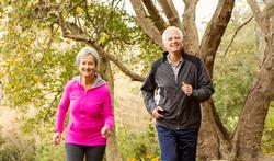 Waarom zouden ouderen vaker moeten lopen?