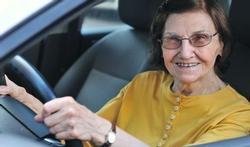 Rijondersteuning kan oudere autobestuurder helpen